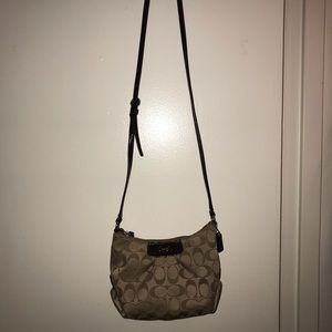 Fabric Coach crossbody bag